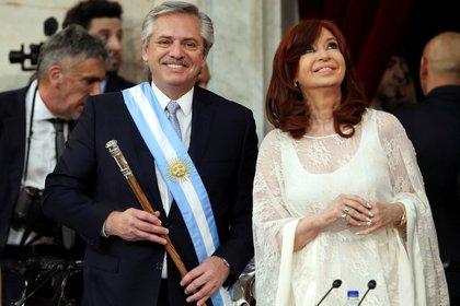 Alberto Fernández junto a Cristina Kirchner durante la jura como presidente y vice