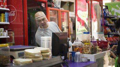 """""""Mi Tienda Segura"""" tiene el objetivo de mantener las tiendas abiertas durante la contingencia por coronavirus (Foto: Casandra Arroyo)"""