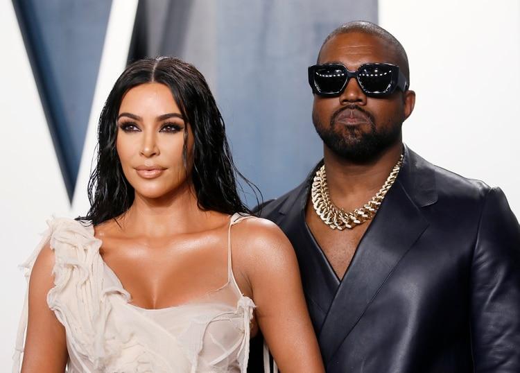 Kim Kardashian y Kanye West asisten a la fiesta de Vanity Fair Oscar en Beverly Hills durante la 92a edición de los Premios de la Academia, en Los Ángeles, California, Estados Unidos., 9 de febrero de 2020 (Reuters)