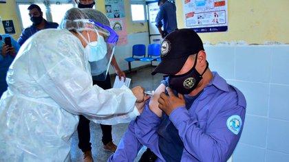 """Juntos por el Cambio pidió """"certezas"""" sobre la vacunación contra el COVID-19"""