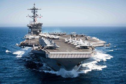 Foto de archivo del portaaviones USS Theodore Roosevelt en el Océano Pacífico (foto de Paul L.ARCHER / US NAVY / AFP)