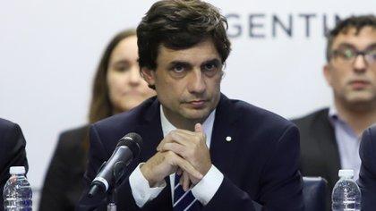 El ministro de Hacienda, Hernán Lacunza, expondrán su plan para estabilizar la economía