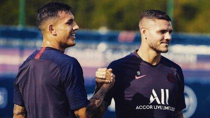 La foto que compartió Icardi con Paredes en Instagram, donde se muestra cercano a Neymar y Keylor Navas (Instagram)