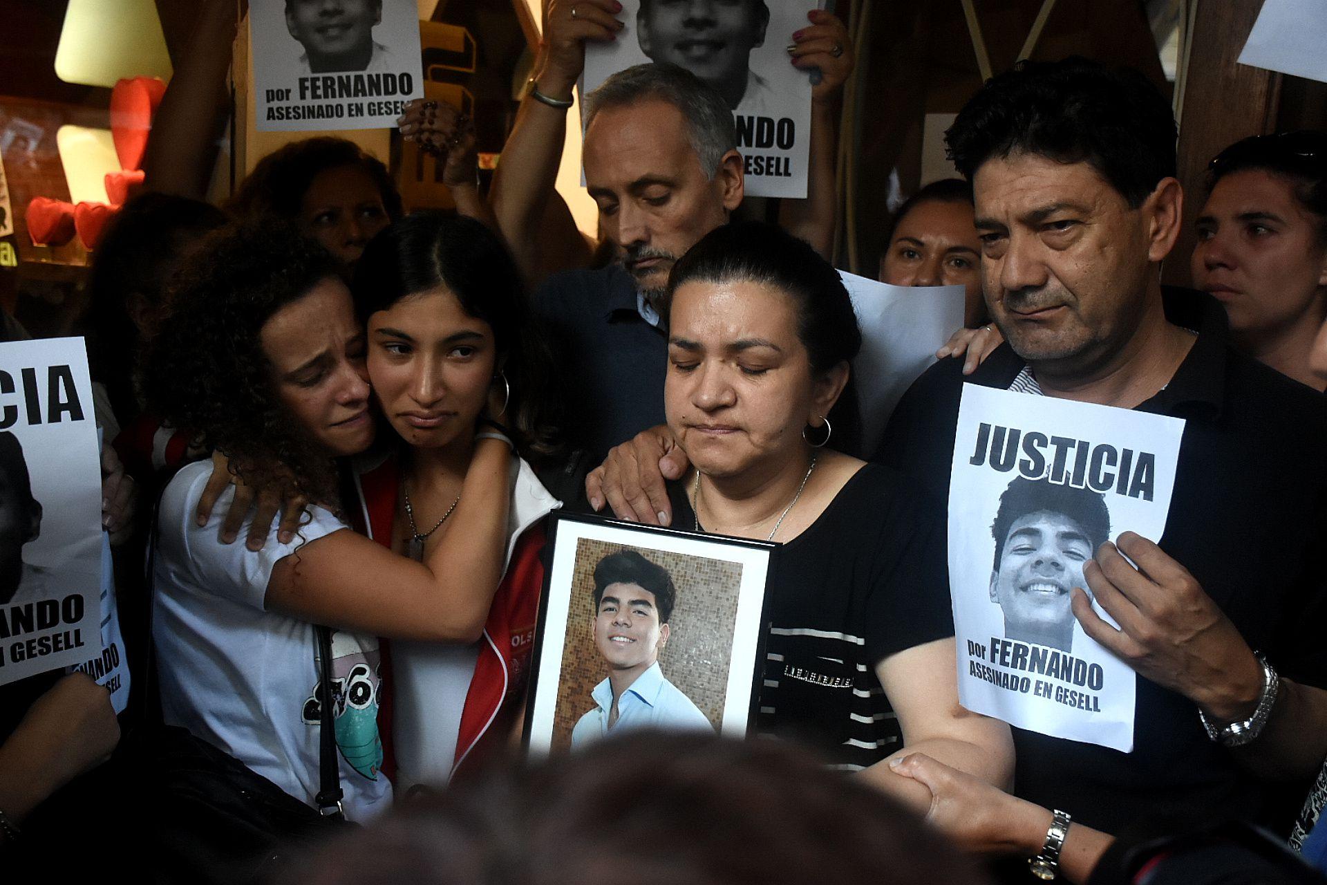 Una de las primeras marchas organizadas por la familia Báez Sosa para pedir justicia por el joven asesinado. (Nicolás Stulberg)