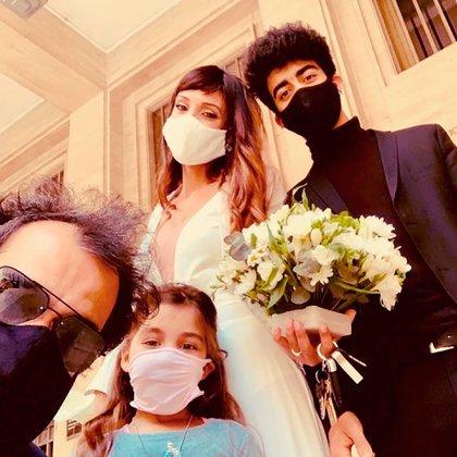 Para el recuerdo: la familia Trapero Gusmán, una vez que terminó la ceremonia