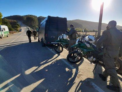 Carabineros, la Policía de Investigaciones y personal de las Fuerzas Armadas debieron desplegar amplios contingentes para poder encontrar al pequeño, ya sin vida, a dos kilómetros del último lugar donde fue visto