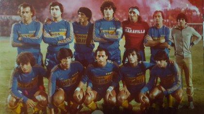 En su paso por Boca, al lado de Hugo Orlando Gatti. Pérez jugó en cuatro de los cinco grandes del fútbol argentino.