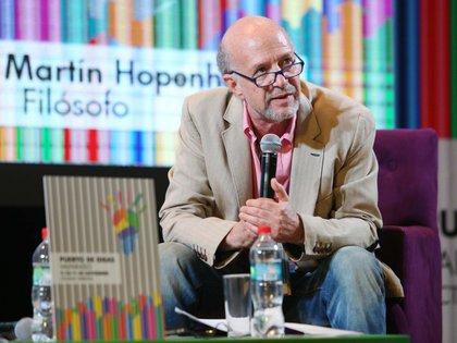"Martín Hopenhayn presentó a Gilles Lipovetsky: ""Es un sociólogo crítico no pesimista que no cultiva una letanía nostálgica ni dictamina profecías apocalípticas"", dijo."