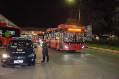 En Mendoza se prohibieron las reuniones sociales durante 15 días