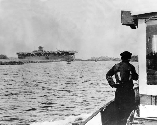 El Graf Zeppelin pocos meses después del fin de la guerra, en 1945