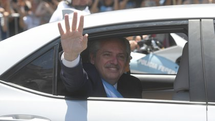 El saludo del nuevo Presidente (foto Maximiliano Luna)