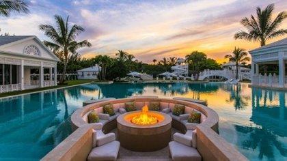 Comprada en 2005, esta lujosa propiedad de más de 2 hectáreas costó alrededor de USD 12.5 millones.
