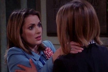 """Winona Ryder se """"decepcionó"""" porque no filmaron bien su beso con Aniston (Foto: Friends)"""