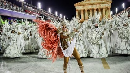 Miembros de la escuela de samba Unidos da Tijuca en la segunda noche del desfile de carnaval en el Sambódromo de Río de Janeiro, 24 febrero 2020. REUTERS/Ricardo Moraes