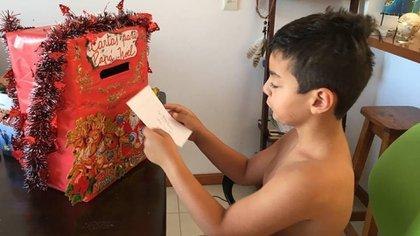 Joaquín (7) fue diagnosticado con síndrome de Tourette a los cinco años