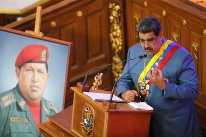 Nicolás Maduro a prononcé son discours annuel sur l'état de la nation lors d'une session extraordinaire de l'Assemblée nationale à Caracas le 12 janvier 2021. REUTERS / Manaure Quintero