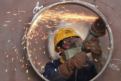 La elaboración de acero crudo muestra una disminución de 22,2%