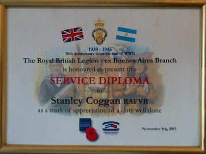 Para los 70 años del fin de la Segunda Guerra recibió un diploma de The Royal British Legion por su participación en el conflicto