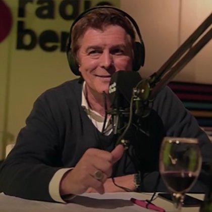 """Gabriel Corrado conduce en radio """"Bebedores seriales"""" (Foto IG)."""