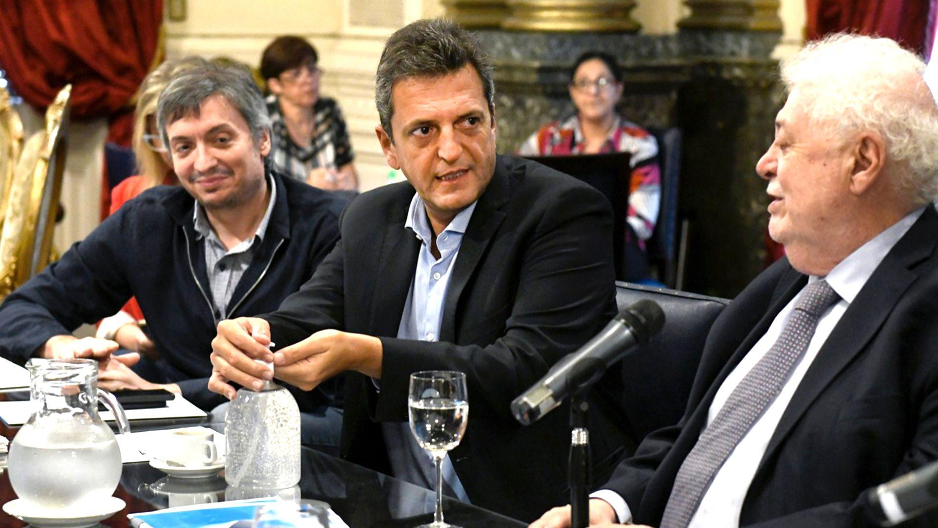 Máximo Kirchner, Sergio Massa y Ginés González García