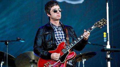 Noel Gallagher se puso a acomodar sus cajas de discos y se llevó una sorpresa