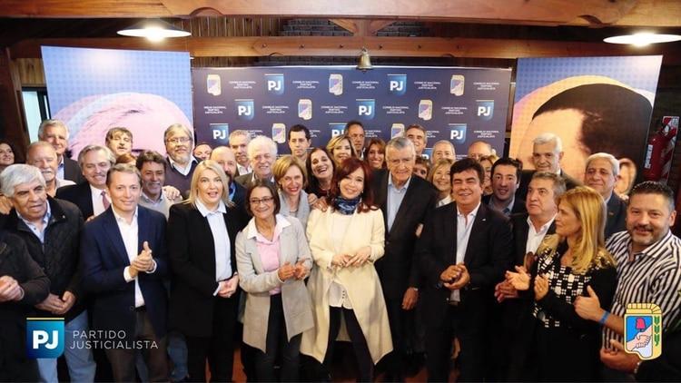 Cristina Kirchner en la cumbre del PJ
