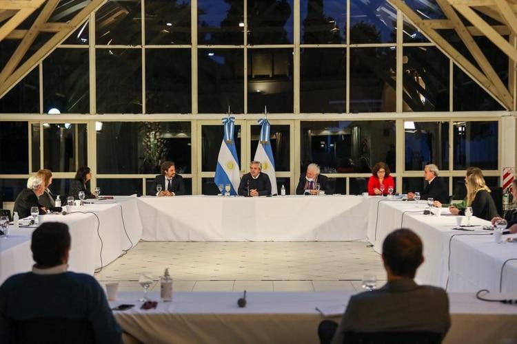 Alberto Fernández encabezó la reunión con los especialistas en Olivos (Presidencia de la Nación)