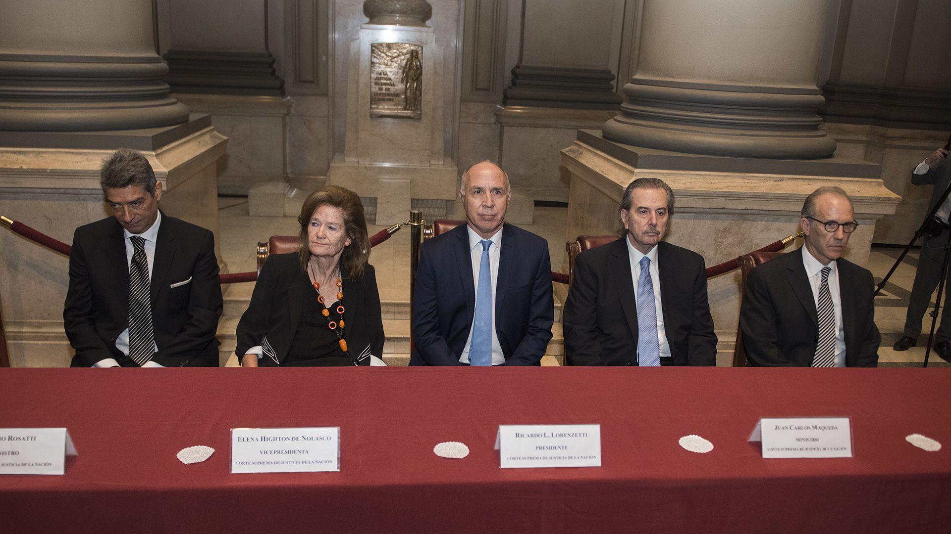 Los cinco integrantes de la Corte Suprema de Justicia de la Nacion (Credito: Adrian Escandar)