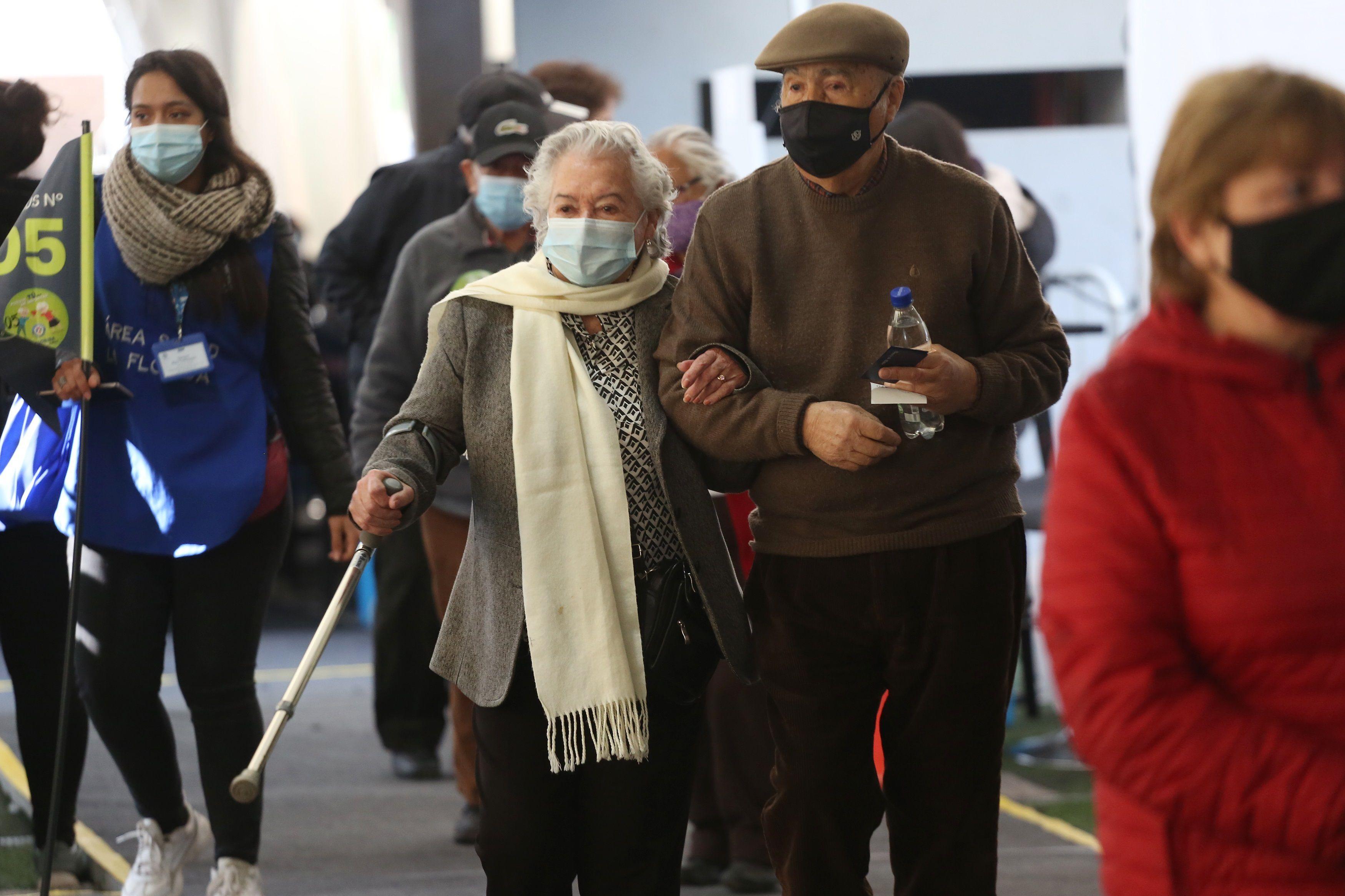 Personas de la tercera edad. (Foto: EFE)