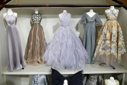 Los vestidos presentados por Dior en París en la semana de la moda online de alta costura (REUTERS/Charles Platiau)