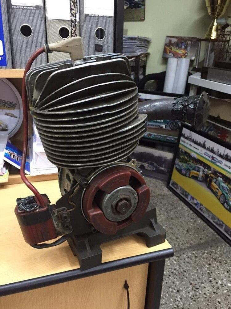 El motor que Henry Martin le compró a Senna, quien vendía materiales que ya no usaba para costearse su participación en las carreras de kartings. (Archivo Henry Martin)