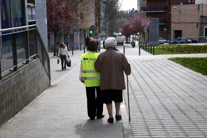 Los pensionados se encuentran a unos días de recibir el cuarto depósito del año. (Foto: EFE)