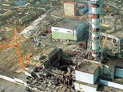 Centrale nucleare di Chernobyl dopo l'esplosione.