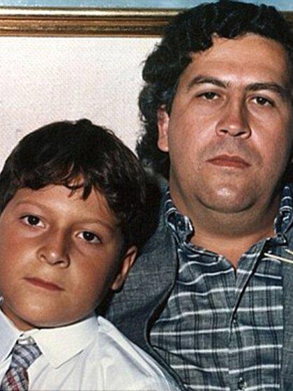 Juan Pablo con su padre, cuando controlaba el narcotráfico de Colombia (REX)
