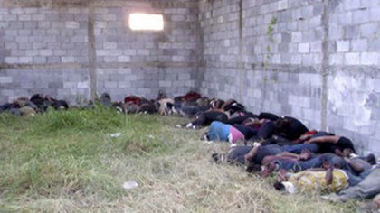 El 24 de agosto de 2010 militares encontraron a 72 migrantes asesinados en un rancho aislado en El Huizechal, municipio de San Fernando, Tamaulipas, los autores de la masacre: Los Zetas (Foto: AFP)