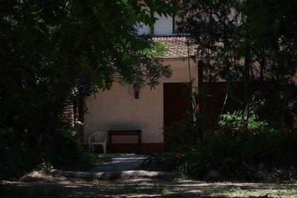 La casa de los rugbiers, allanada por la Policía Bonaerense: allí se encontró la zapatilla.