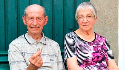 Emile y Francine, el matrimonio belga que recuperó su anillo de boda perdido hace casi 60 años (Sudinfo)