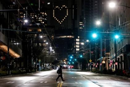 Las calles de Seattle solas por la cuarentena.  REUTERS/Jason Redmond