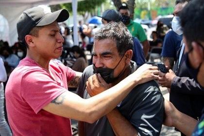 El Gobierno de CDMX declaró duelo oficial por tres días ante el descarrilamiento de un convoy en la Línea 12 del Metro (Foto: Reuters / Edgard Garrido)