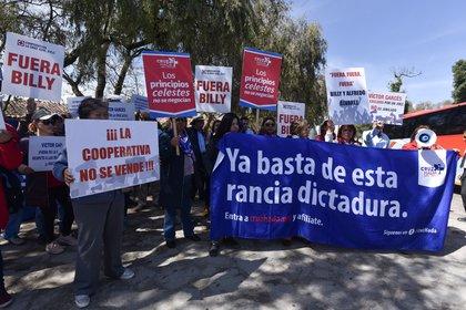 Los socios de la Cooperativa de Cruz Azul se ha manifestado en varias veces  para  denunciar los abusos de Guillermo Álvarez (Foto: Crisanta Espinosa/Cuartoscuro)