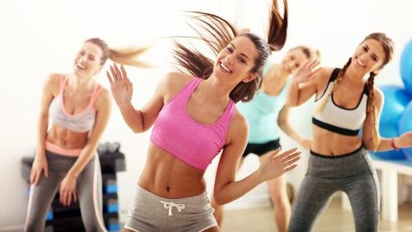 Lo ideal es hacer ejercicio al menos tres veces por semana durante 30 o 60 minutos (Getty)