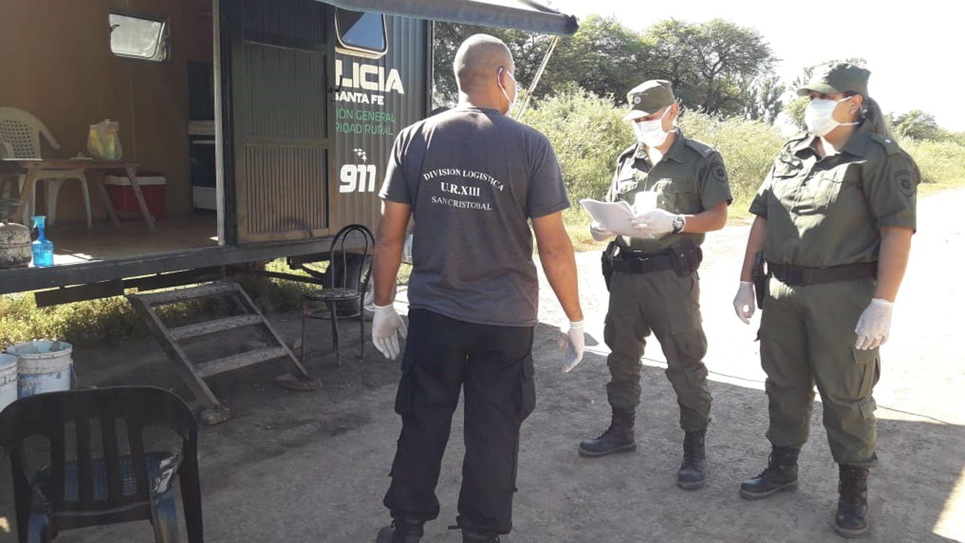 La Policía de Santa Fe intensificó los controles.
