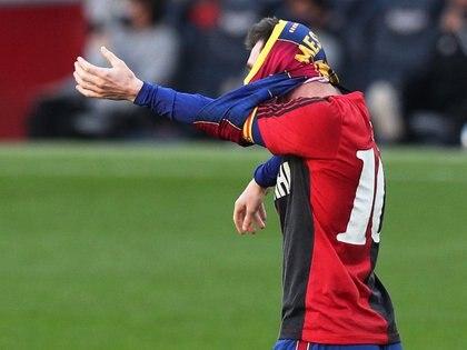 Leo anota 10 de las cosas que vistió Diego en Newell antes del Mundial de Estados Unidos