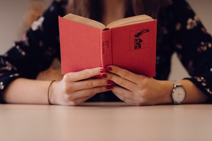 El objetivo del programa para acceder a la beca es contribuir al fomento a la lectura (Foto: Pixabay)