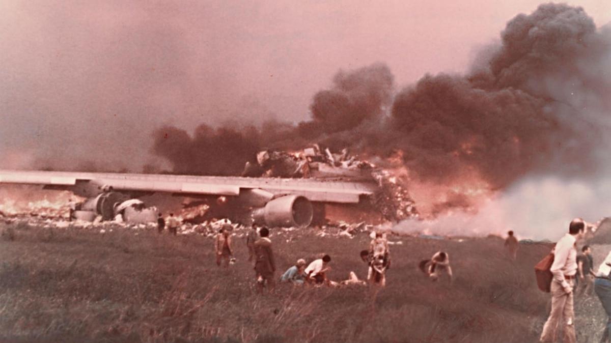 Resultado de imagen para restos accidente KLM Pan Am