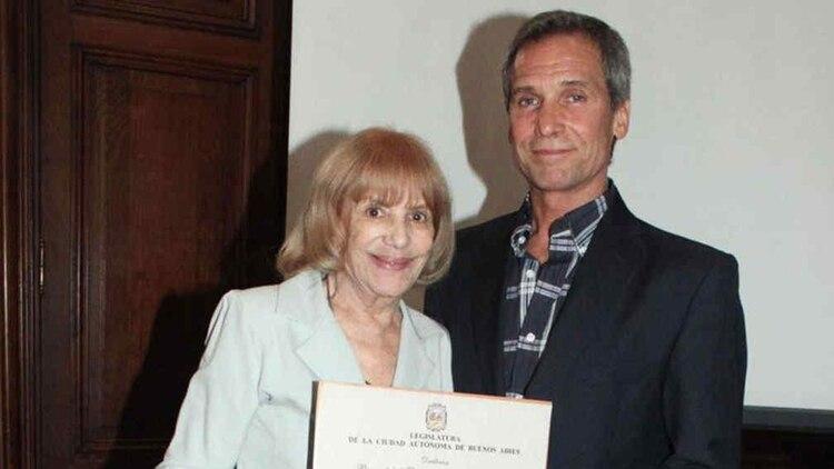 Beatriz Taibo y su hijo, Raúl Taibo