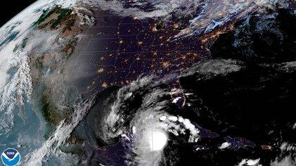 Se espera que el huracán toque tierra durante la madrugada del 7 de octubre (Foto: EFE/NOAA-NHC)