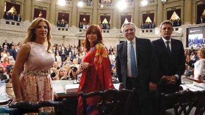 Alberto Fernández, junto a Cristina Kirchner, Sergio Massa y Claudia Ledesma Abdala en las apertura de sesiones ordinarias de 2020