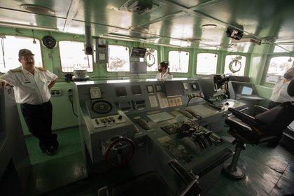 Destructores, corbetas, buques logísticos y de apoyo conforman la Flota de Mar de la Armada Argentina. 2200 efectivos los tripulan.