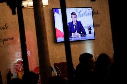 Emmanuel Macron anunció nuevas restricciones en Francia (REUTERS/Benoit Tessier)